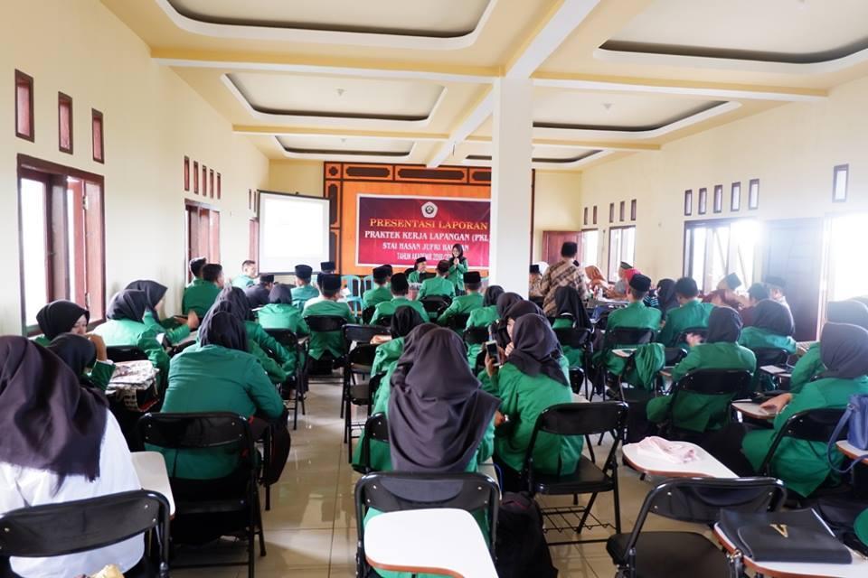 Presentasi Laporan Pertanggungjawaban Pelaksanaan PKL dan PPL