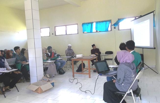 Presentasi Laporan KKN Angkatan Ke-V STAI Hasan Jufri Bawean