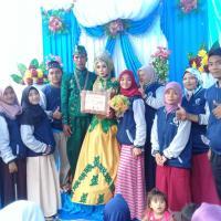 Hadiri undangan pengantin